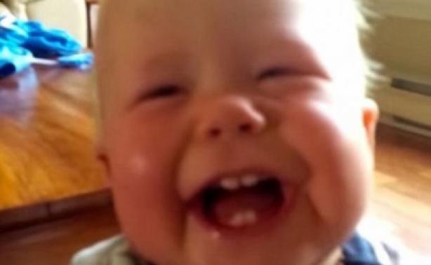 VIDEO | Αυτόν τον μπέμπη πρέπει να τον δεις!