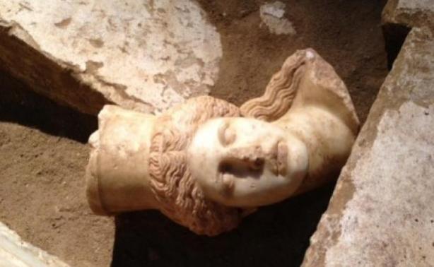 Νέα ευρήματα στην Αμφίπολη! Βρέθηκε το κεφάλι μίας Σφίγγας
