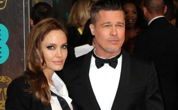 Shiloh: Η κούκλα κόρη Jolie - Pitt και η απίστευτη ομοιότητα με τους γονείς της