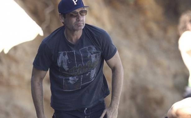 David Duchovny: Δείτε τον 55χρονο με μαγιό σε παραλία του Malibu!