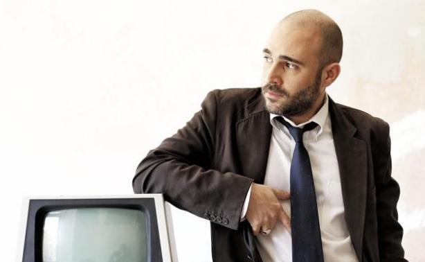 Ο Κωνσταντίνος Μπογδάνος απαντά: Φεύγει για Νάξο;