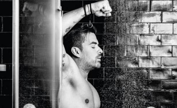 Οι celebrities φωτογραφίζονται γυμνοί για το AIDS!