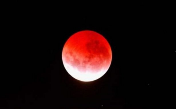 zp_43352_red_moon_473_355.jpg
