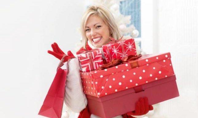 zp_46207_woman-christmas-shopping2_H_645_461.jpg