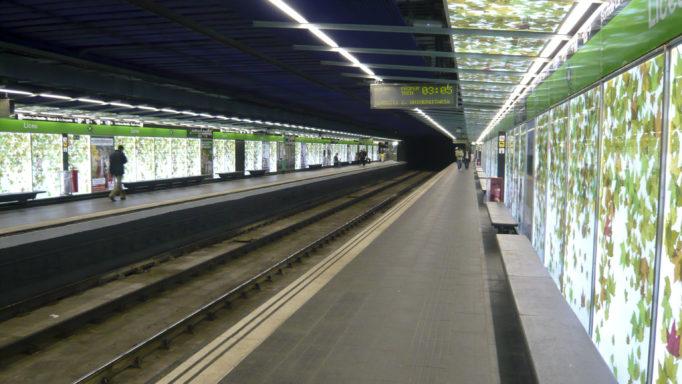 zp_52537_Liceu_Metro_station.jpg