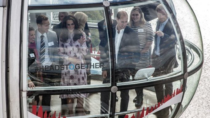 """Britain's Princes' William and Harry, and Kate, The Duchess of Cambridge take a ride in a pod of the London Eye with members of the mental health charity """"Heads together"""" on world mental health day in London, Britain October 10, 2016. REUTERS/Richard Pohle/Pool"""