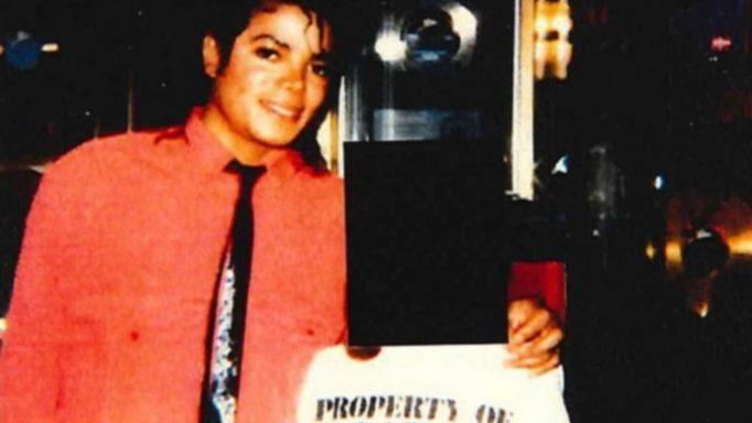 Βόμβα για Michael Jackson! «Με βίαζε από τα 12» – Τα ανατριχιαστικά μηνύματα [pics]