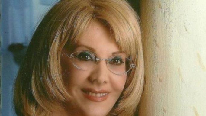 Κέλλυ Σακάκου