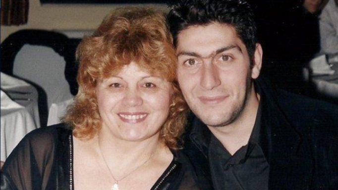 Ραγίζουν καρδιές τα λόγια της μάνας του Αλέξανδρου! «Δεν με άφησαν να τον θάψω με τα χέρια μου…»(video)