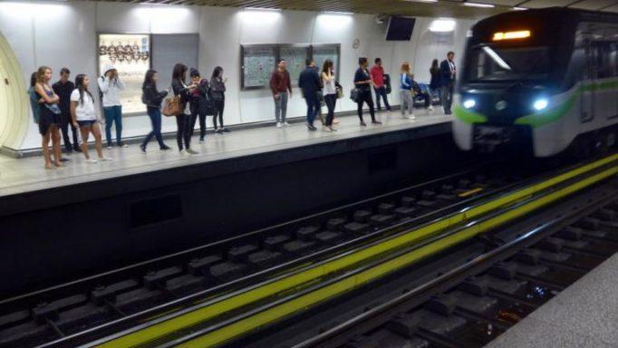 Ακόμα ένα άτομο στις ράγες του μετρό!