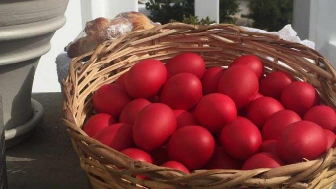 κόκκινα αβγά